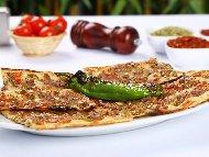 Класическа турска пица пиде с кайма – традиционна рецепта